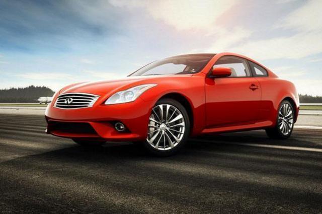 英菲尼迪q60上市,搭载奔驰发动机,售36.68-38.58万元