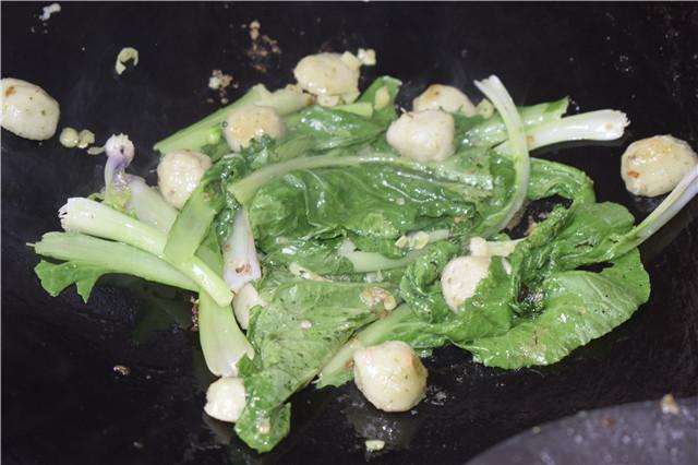 炒面先做这个步骤面不粘锅,老公要求不做饭就吃面,一锅不够分的