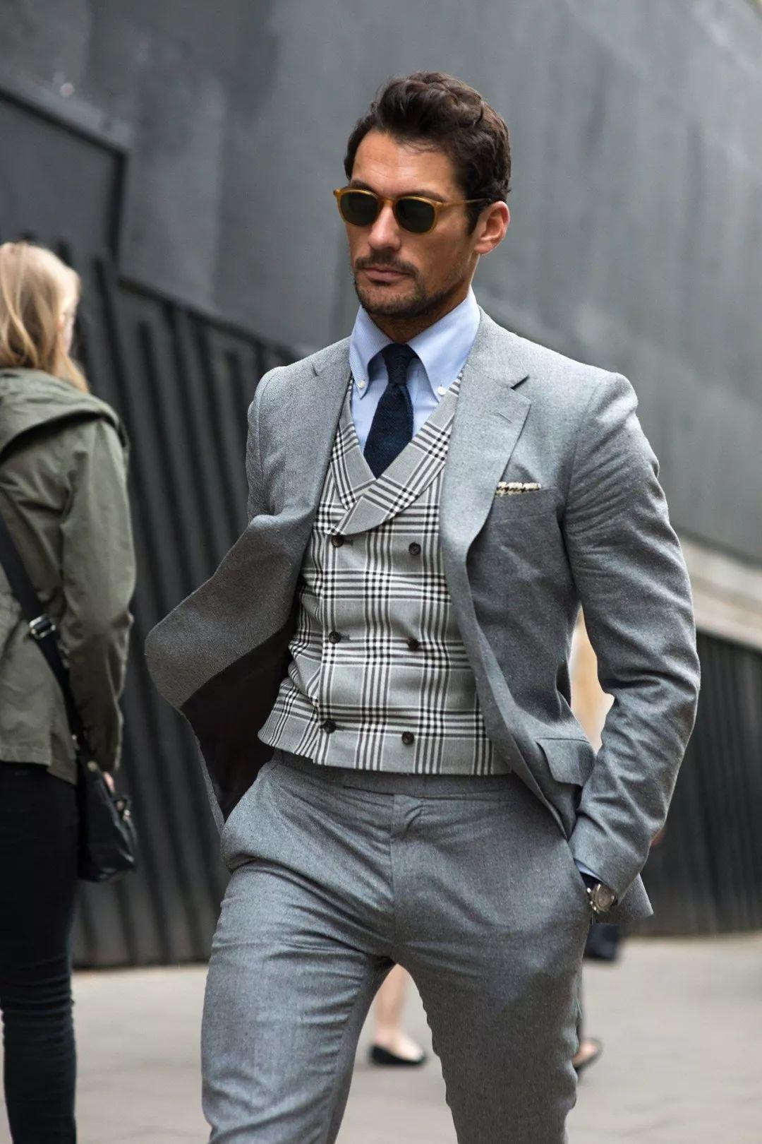 单排扣的好,被姑娘单手解过西装才知道丨绅装老爷会