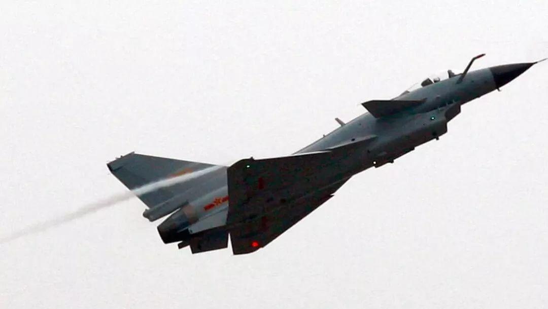 歼10战斗机项目开始之前,成都飞机设计所已经进行了10多年的鸭式布局图片