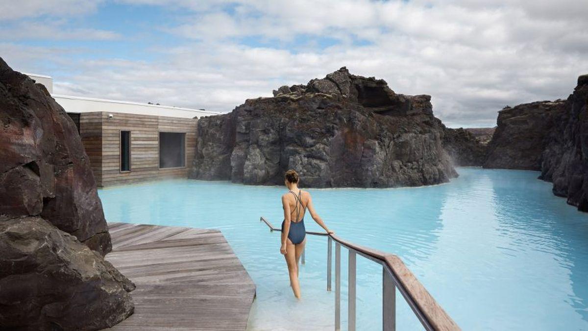 冰岛最酷的新酒店建在蓝色的泻湖上