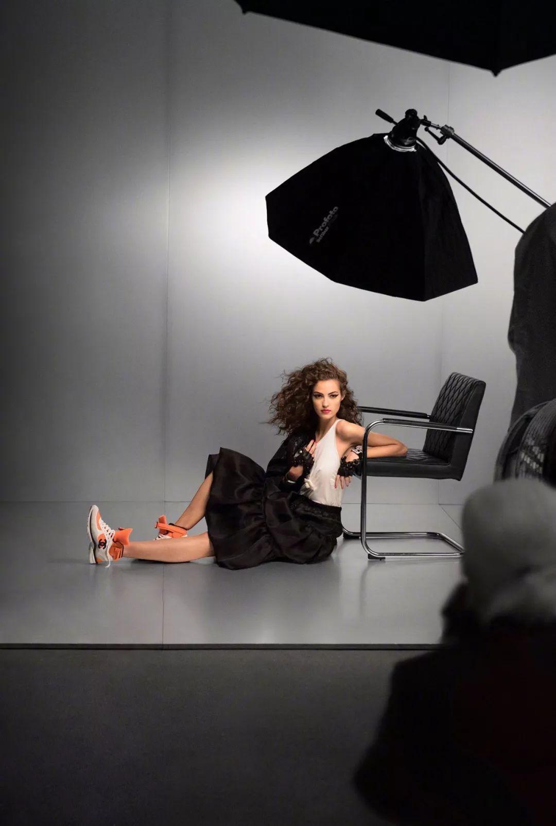 时尚 正文  但是,对平面模特的要求,不仅是肖像上镜或形体线条优美