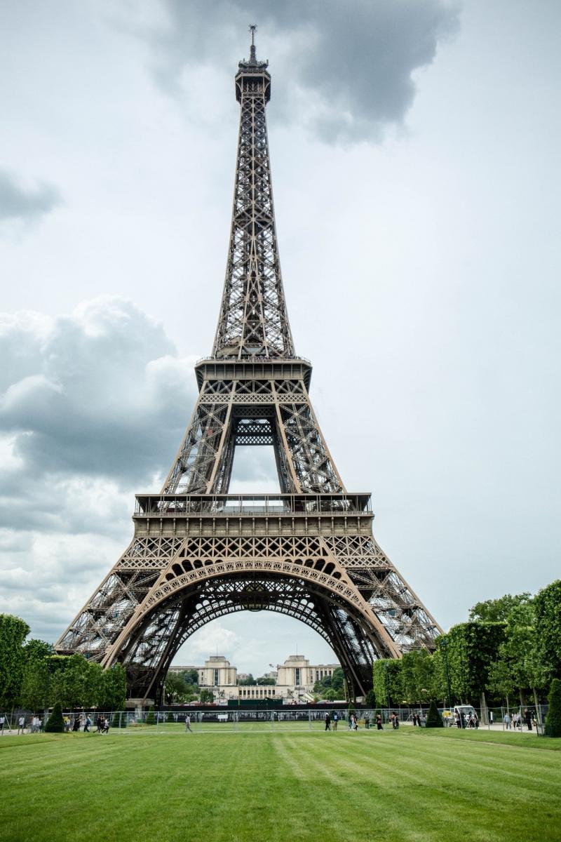 埃菲尔铁塔遭罢工,游客有钱花不掉,中国这座复制塔100图片