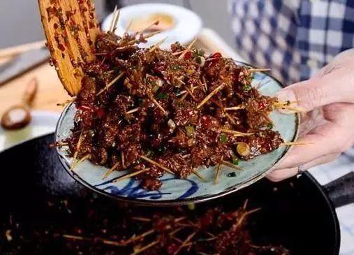 欧美大黑吊狠狠撸最新版_红烧牛肉的13种做法大全,色香肉嫩,这牛肉一次撸一碗都不够吃!