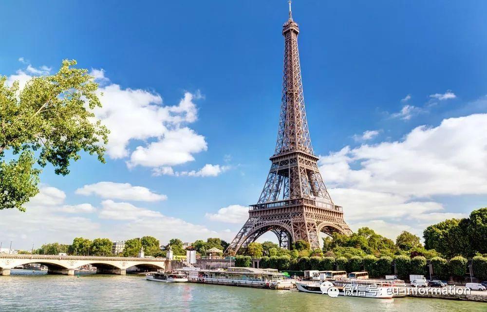 它的悠久历史,具有丰富文化内涵的名胜古迹及乡野风光吸引着世界各地
