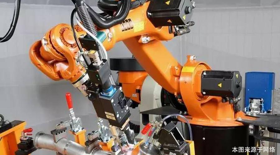 工业机器人培训:机器人代替人工有哪些好处?