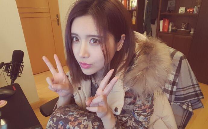 日本人做爱视频主播直播_娱乐 正文  搜狐娱乐讯 31日,江苏网警发布消息称,视频直播平台女主播