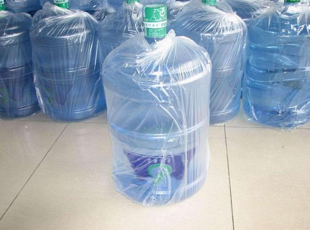 瓶装水和桶装水就听得多,袋装水你听过吗?