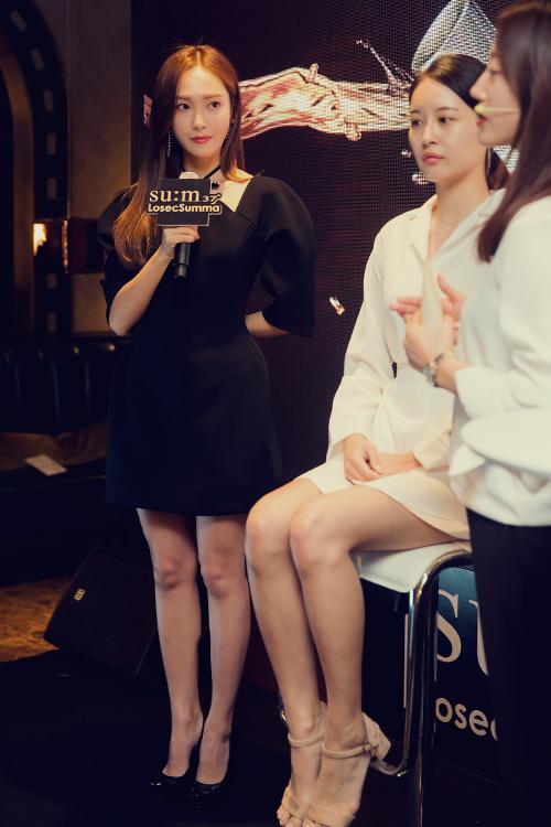 Jessica郑秀妍真人更美!芭比装扮出席活动惹中韩粉丝喜爱
