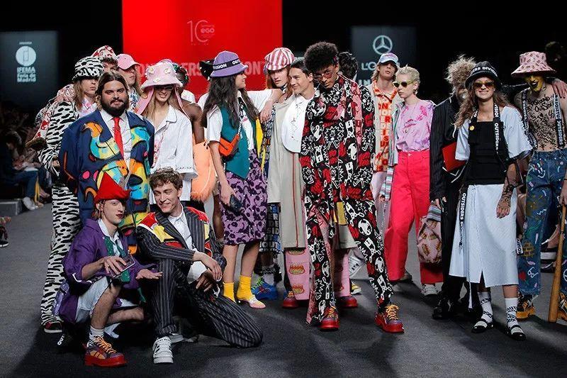 意大利品牌Outsiders Division――一部介于时尚和艺术之间的电影,他们的设计反映了青年文化背景下的蓬勃朝气