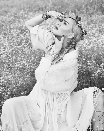 流行女帝麦当娜60岁霸气回归:作为一个人,你不能停止生长