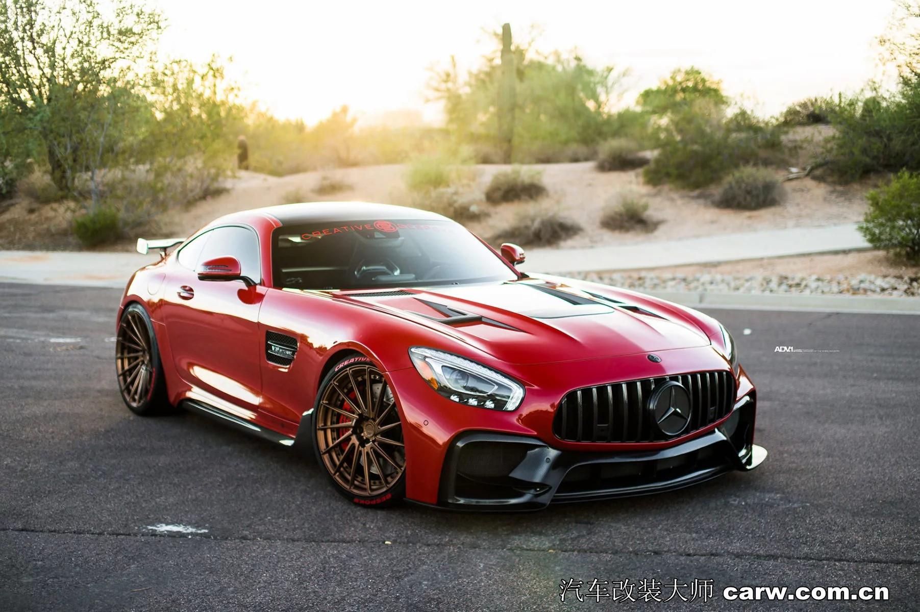 奔驰GT上帝姿态如果你也喜欢Mercedes-AMG GT S
