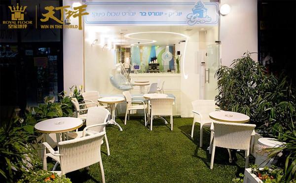 3田园气息的咖啡厅—搭配富有春天气息的人造草