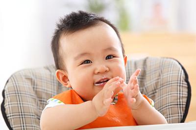 马女宝宝取名字精选的沉稳大气男孩名字让表现须眉气概!