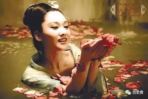 杨贵妃体重138斤,那她的身高是多少你知道吗? - 咱当兵的人 - 朋友多了路好走,有缘是朋友。