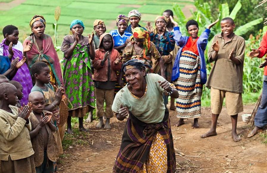 非洲密林深处的矮人族,身高不过一米五,8岁就能结婚生子!