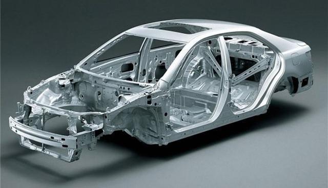电动汽车与燃油汽车区别 从车身的布置方法到细节的设计原则