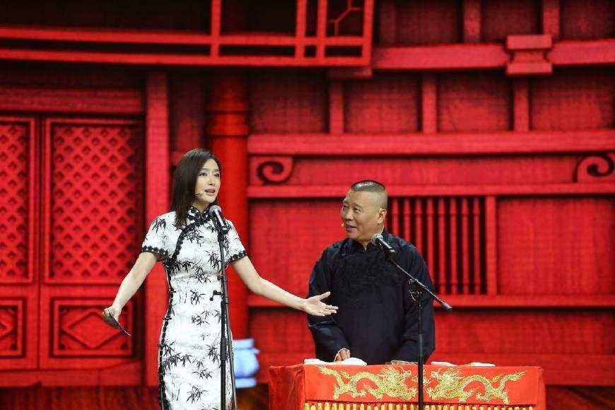 当秦岚和宋茜同穿中国风旗袍,网友:一个少女一个少妇!