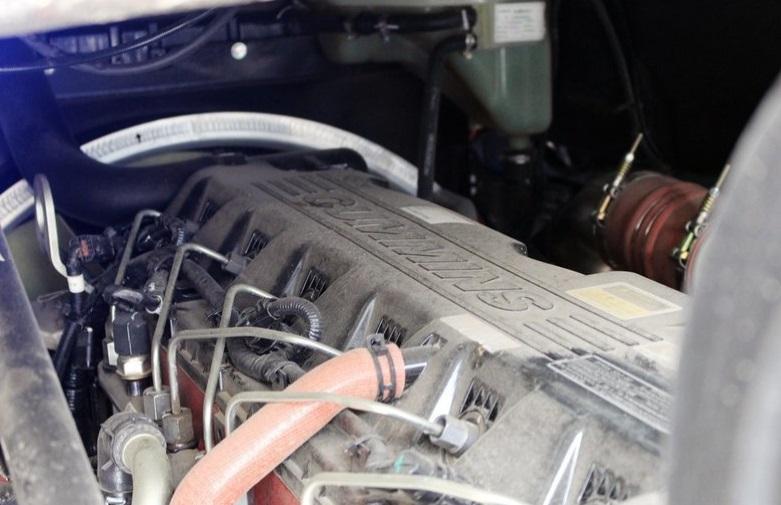 欧曼GTL这款车的动力表现怎么样?采用的是什么发动机?