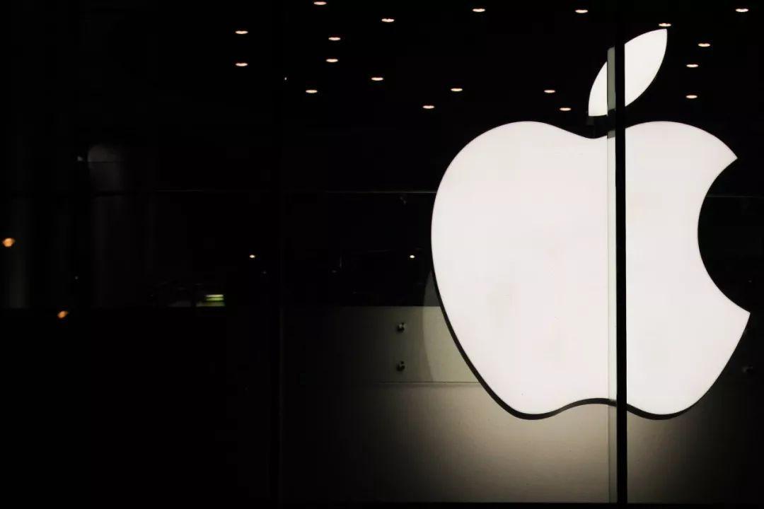 苹果站上万亿美元市值,是终点还是起点?