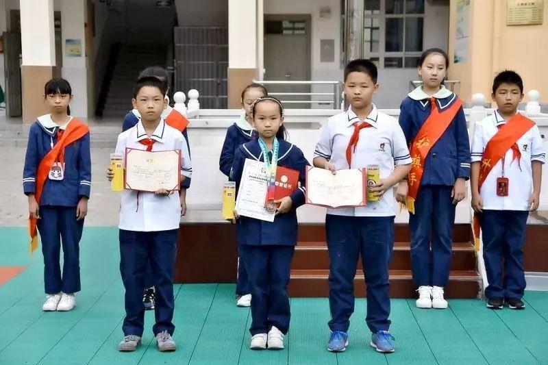"""政务 正文  在以""""体验·创新·成长——中国梦·科学梦·青春梦""""为"""
