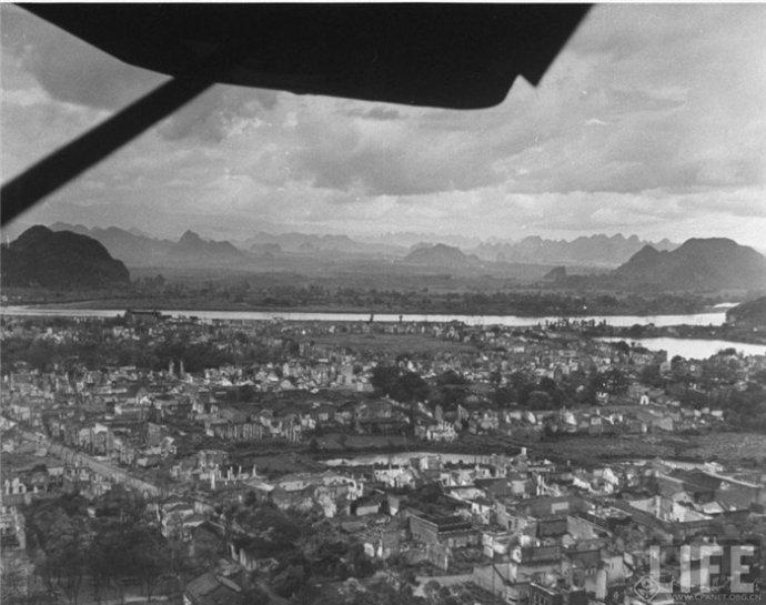 惨绝人寰的老照片,山水如画的桂林被炸成废墟-爱非喜