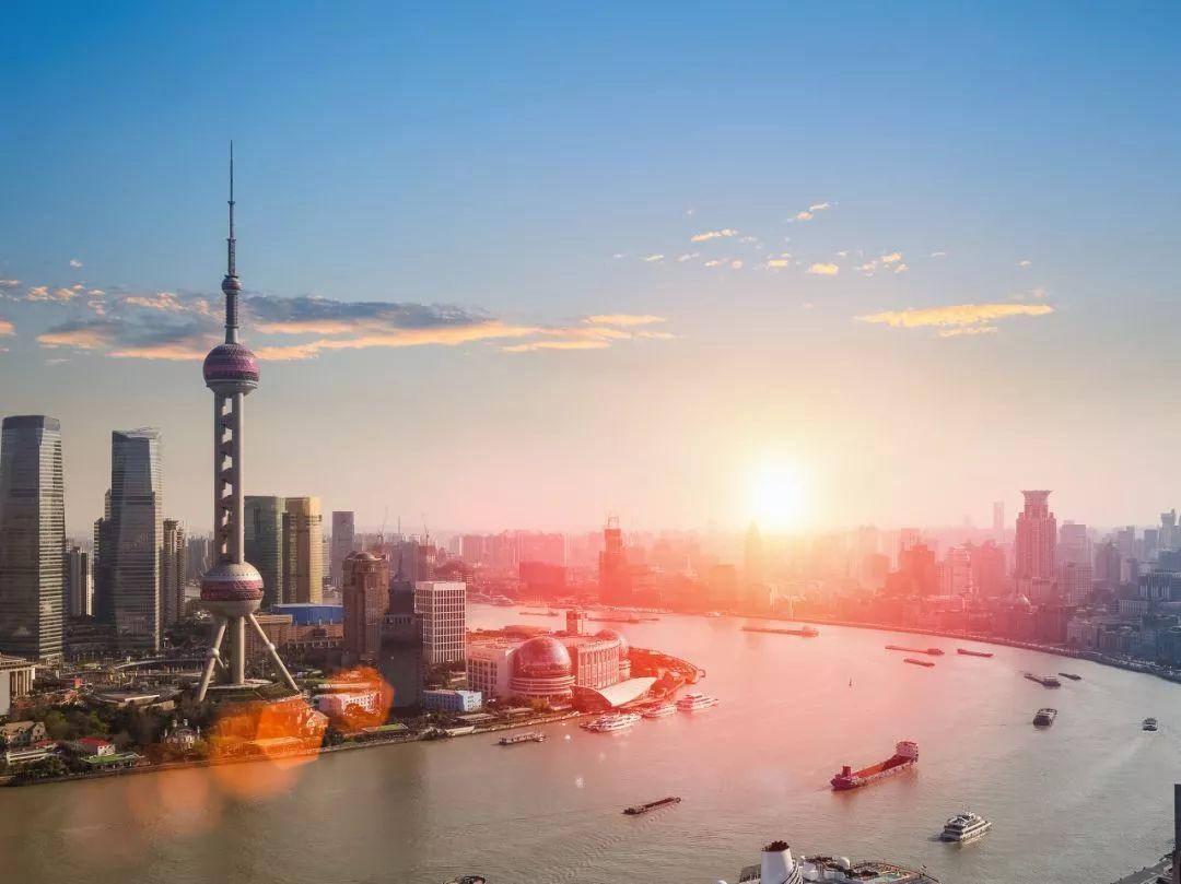 上海占全国的经济总量_上海迪士尼图片