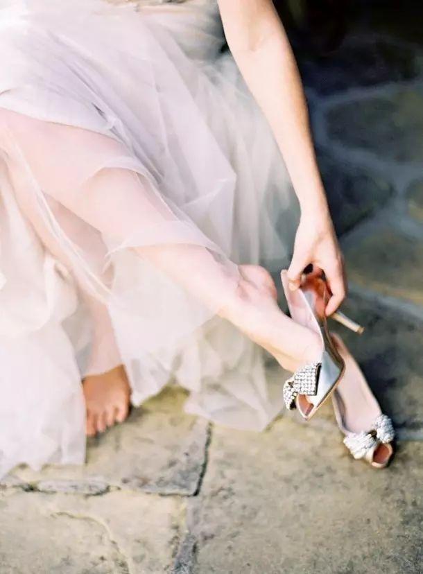 女人也风流_有钱女人看鞋,风流女人看指甲