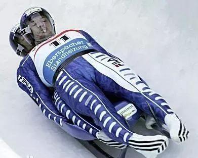 冰雪运动大课堂㉖丨 雪橇:躺着都能赢的运动