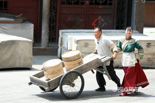 炎炎夏日白鹿原影视城人气火爆  《黑娃演义》深受游客喜爱 - 视点阿东 - 视点阿东