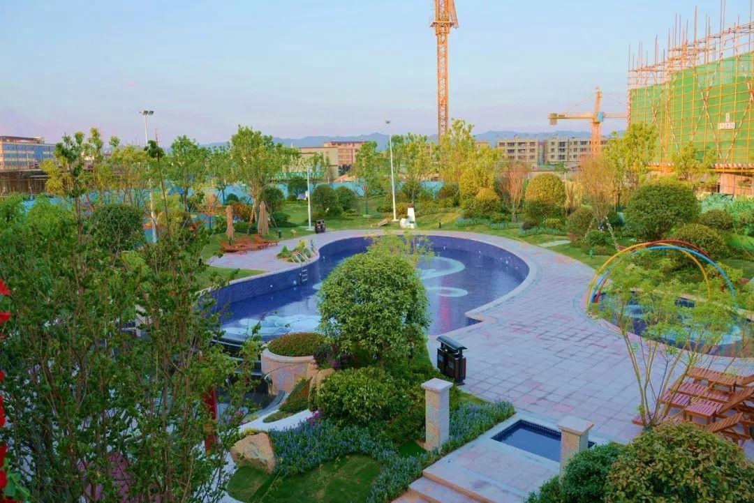 臻品小洋房,空中花园的景观视角图片