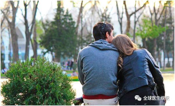  周末一栏 心理学家用大数据研究恋爱机制和追求爱的真谛