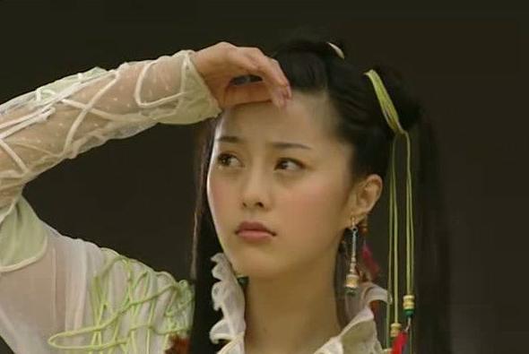 13岁初恋童星现嫁给黑人,曾出演《少年黄飞鸿》释小龙图片