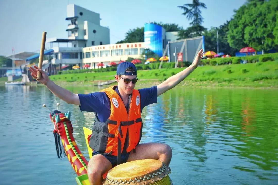 成都艇好——赛艇赛事展新津魅力 国际名校赞公园城市