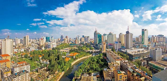 中国最霸道的城市:GDP超第二至第五城市总和,被旅友称作春城!