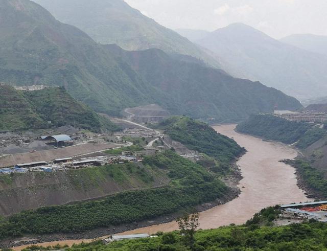 八万名中国人搬迁,还没竣工就已世界第一!专家:再造五个三峡