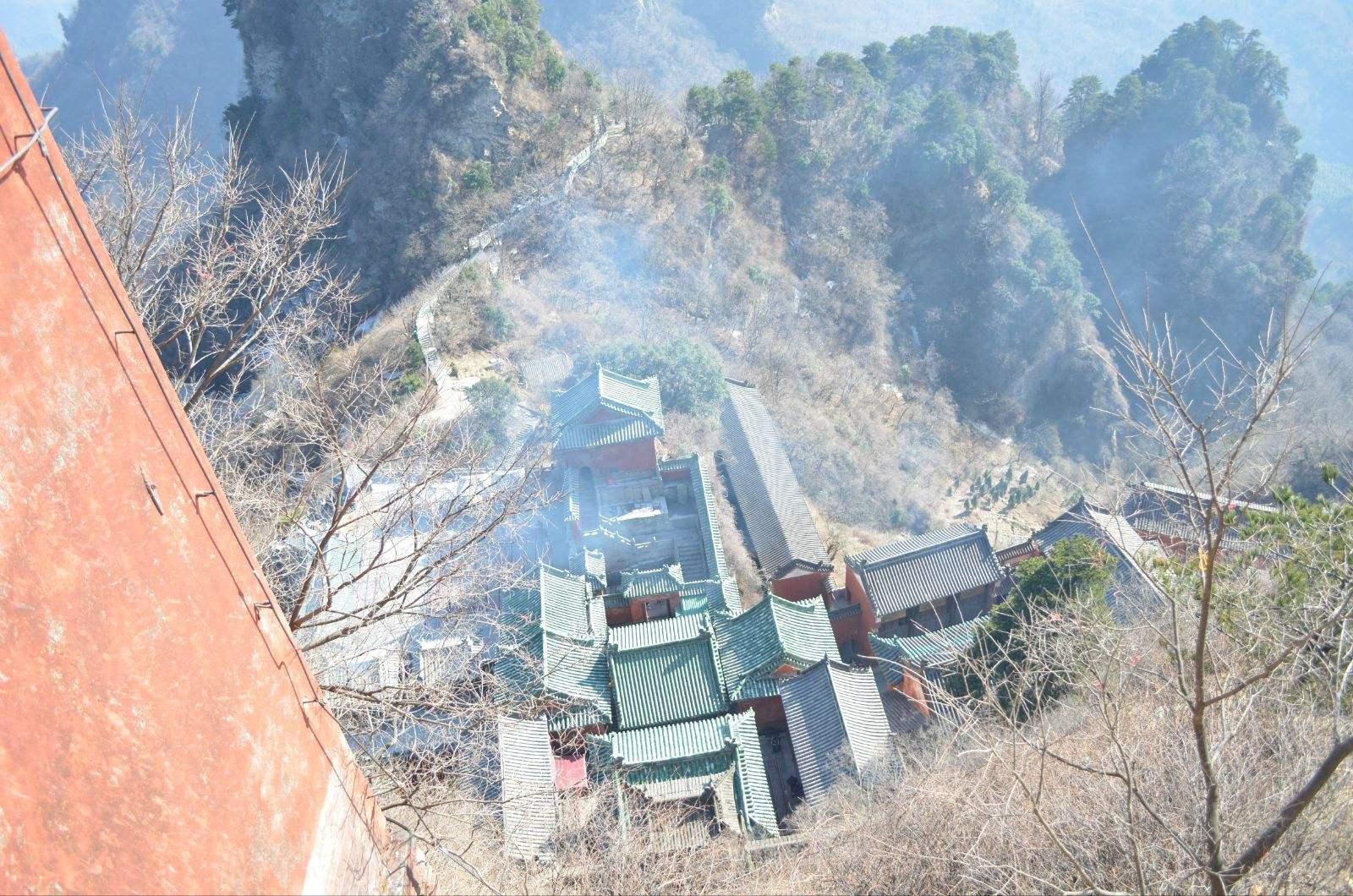 中國最坑人的山,一家三口爬完下來,門票就要1500元