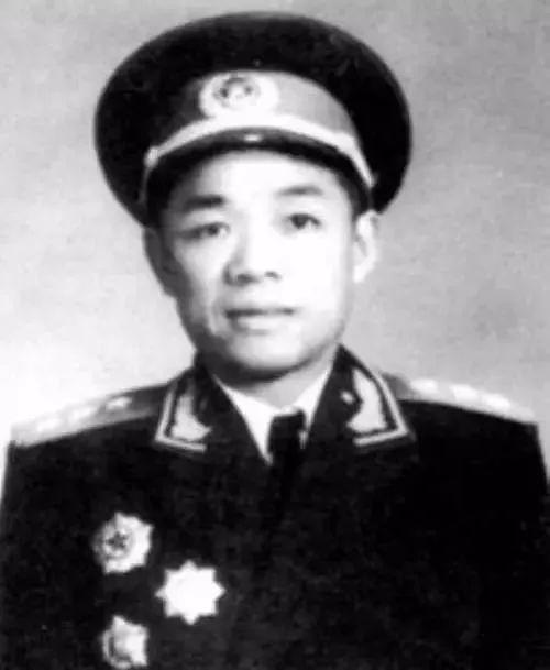 金一南:战争到来前,将办公室将军淘汰!(Jul 15, 2017)