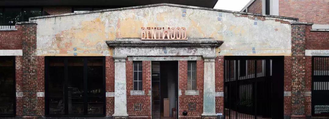 墨尔本一家优雅的红砖工业风咖啡厅设计