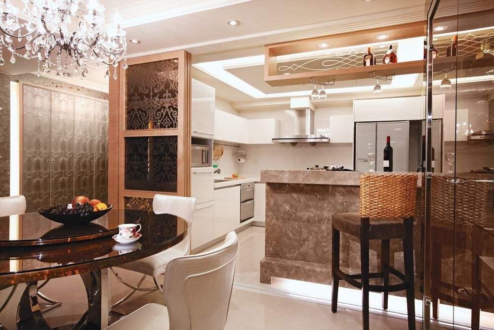 一点油烟也没有   采用玻璃拉门来独立厨房空间是中式厨房的普遍做法图片
