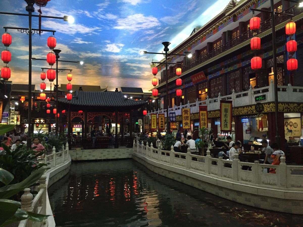 """中国最火的""""人造古镇"""",人气比乌镇还要高,网友:还想再去一次"""