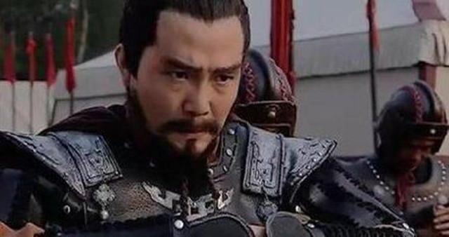 一名将本可取代汉朝篡位,他说:放弃建国忠于汉室,结果曹操胜出