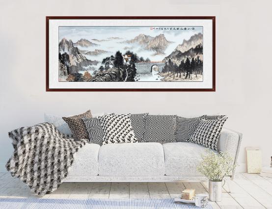 客厅沙发背景墙挂画,山水装点心灵栖息地