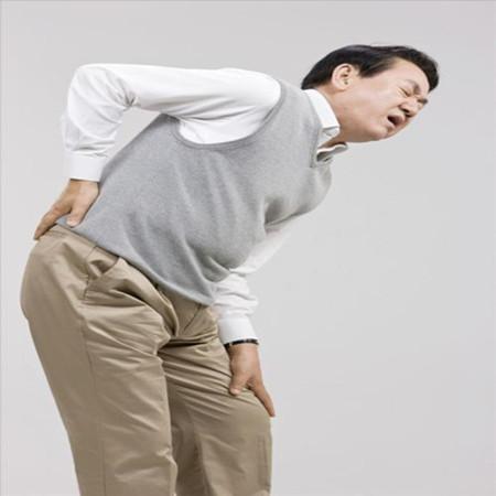 腰椎间盘突出不压迫神经不用治