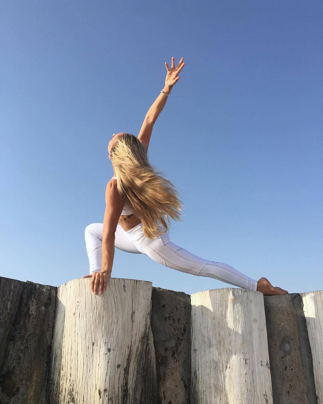 练瑜伽先练腿还是先练腰,顺序不对,效果真的差很多