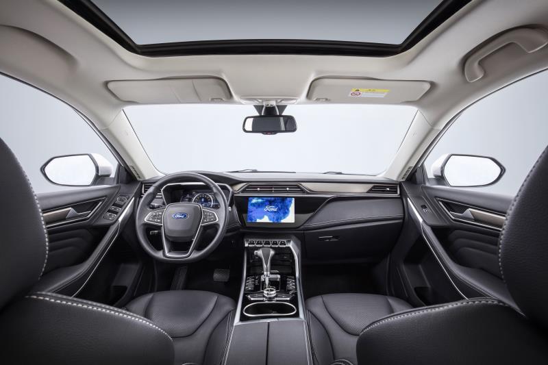以低价高配抢占市场 福特推全新中型SUV Territory