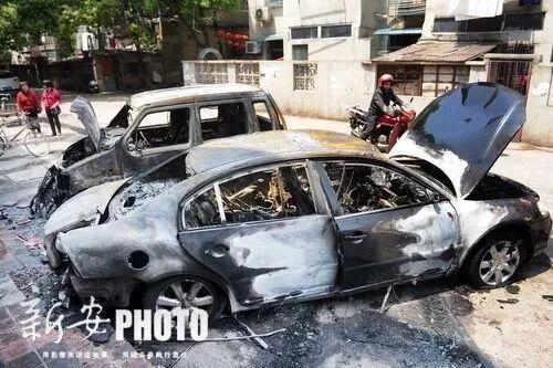 这个小东西竟引燃私家车?!警方不得已砸车窗灭火!你每天都在用!