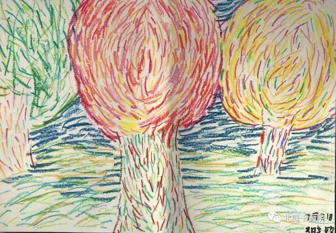 来自吉木萨尔县第二小学三年级(2)班,我的爱好是画画和书法,七岁那年我与书法结下了缘份,我来到北庭书画院这里,学习书法已经好几月了,我的书法有了突飞猛进的变化.