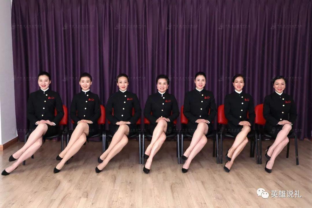 不做空姐—就做礼仪培训师!上海总院8.