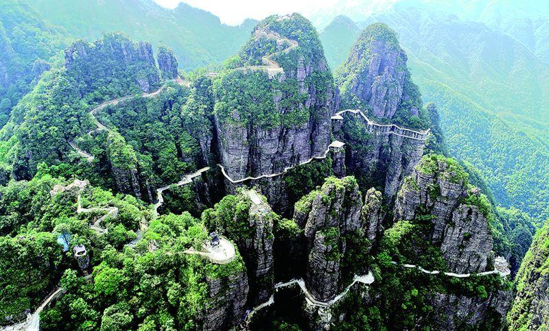 政务 正文  ● 北帝山旅游风景区位于平南县大鹏镇和国安乡,距离县城